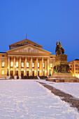Illuminated national theatre with statue of Max Joseph in the foreground, night shot, Munich, Upper Bavaria, Bavaria, Germany