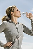 woman,water,drinking,exercise,young adult