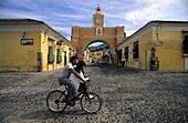 Calle del Arco, Antigua  Guatemala