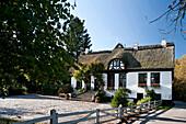 Haus aus der TV Serie Der Landarzt, Lindau, Boren, Schleswig-Holstein, Deutschland