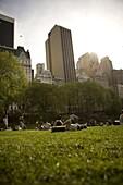 Leute entspannen sich im Central Park, New York City, New York, USA
