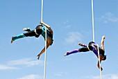 World Buskers Festival 2008 - acrobatic troupe Fuse