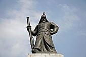 Admiral Yi Sun Shin Statue at Gwanghwamun plaza in downtown Seoul, South Korea, Asia