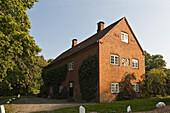 Historisches Gebäude, Schloss Weißenhaus, Ostsee, Ostholstein, Schleswig-Holstein, Deutschland