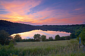 Weinfelder Maar in the evening, near Daun, Eifel mountains, Rhineland-Palatinate, Germany