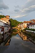 Saint-Jean-Pied-de Port, Camino Frances, Way of St. James, Camino de Santiago, pilgrims way, UNESCO World Heritage Site, European Cultural Route, Pyrenees Atlantiques, Südfrankreich, Frankreich,  Europe