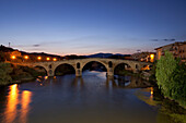 Puente la Reina, stone bridge from the 11th century, Rio Arga, river, Camino Frances, Way of St. James, Camino de Santiago, pilgrims way, UNESCO World Heritage, European Cultural Route, province of Navarra, Northern Spain, Spain, Europe