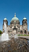 Antiquity, Architecture, Berlin, Berliner dom, Catedral de berlin, Color, Fountain, Germany, Horizonta-, Monument, Park, Tourism, Vertical, K08-1031948, agefotostock