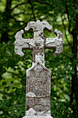 Weathered wayside cross, Cruz de los peregrinos, Province of Navarra, Northern Spain, Spain, Europe