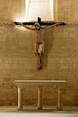 Altar and Jesus Christ inside church Iglesia San Martin, Fromista, Province of Palencia, Old Castile, Catile-Leon, Castilla y Leon, Northern Spain, Spain, Europe