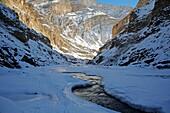 Abenteuer, Buddha, Buddhismus, Chadar, Chaddar, Entdeckungsreise, Indien, Jammu und Kaschmir, Kälte, Ladakh, Tours, Treck, Winter, Zanskar, T91-1212754, AGEFOTOSTOCK
