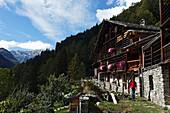 Hiking, Walser Settlement, Monte Rosa Massif, Alagna, Valsesia, Piedmont, Italy