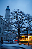 Viktualienmarkt with Church of the Holy Spirit in the evening, Munich, Bavaria, Germany