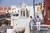 Actor Mario Adorf takes a stroll with wife Monique Adorf, (on the occasion of shooting for ARD Degeto-Mona Film Production) Fira, Santorini, Greece, Europe