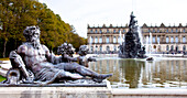 Fountain of Herrenchiemsee with Herrenchiemsee Castle, Chiemsee, Chiemgau, Upper Bavaria, Bavaria, Germany