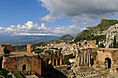Teatro Greco, Mount Etna in background, Taormina, Sicily, Italy