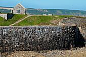 Hafenmauer im alten Hafen von Portsoy, Aberdeenshire, Schottland