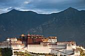 Potala Palace, residence and government seat of the Dalai Lamas in Lhasa, Transhimalaya mountains, Tibet Autonomous Region, People's Republic of China