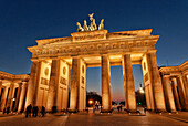The illuminated Brandenburg Gate at night, Strasse des 17. Juni, Parisian Square, District Mitte, Berlin, Germany, Europe