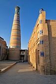 Islam Khodja or Islom Xoja Minaret in the historic adobe oldtown of Khiva, Chiva, Ichan Kala, Silk Road, Unesco World Heritage Site, Uzbekistan, Central Asia