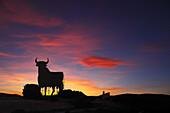 Toro de Osborne, Osborne bull near Valdepeñas, La Mancha, Castile, Spain