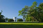 Orangerie im Schlosspark, Putbus, Insel Rügen, Ostsee, Mecklenburg-Vorpommern, Deutschland, Europa