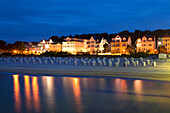 View from the pier to the seafront in the evening, Bansin seaside resort, Usedom island, Baltic Sea, Mecklenburg-West Pomerania, Germany, Europe