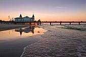 Pier in the evening, Ahlbeck seaside resort, Usedom island, Baltic Sea, Mecklenburg-West Pomerania, Germany, Europe