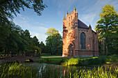 Kirche St. Helena und Andreas im Schlosspark, Schloss Ludwigslust, Ludwigslust, Mecklenburg-Vorpommern, Deutschland