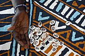 Sénégal, Fortune telling with cauri shells