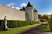 France, Charente-Maritime,. Poitou-Charentes, La Roche-Courbon castle (XVI°-XVII°), wall and alley