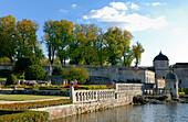 France, Charente-Maritime,. Poitou-Charentes, La Roche-Courbon castle (XVI°-XVII°), basin