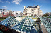 France, Paris, 1st arrondissement, Saint Eustache church view from Jardin des Halles