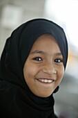 Emirats Arabes Unis, Oman, Muscat, Oman girl