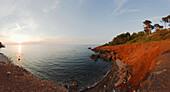 Bucht im Licht der Abendsonne, Port des Canonge, Tramuntana Gebirge, Mallorca, Balearen, Spanien, Europa