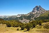 Pic du Midi d'Ossau, Ossautal, Französische Pyrenäen, Pyrénées-Atlantiques, Aquitaine, Frankreich