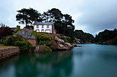 House at coast, Ploumanach, pink granite coast, Perros-Guirec, Cotes-d Armor, Brittany, France