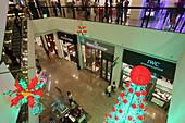 Weihnachtsbaum, Einkaufszentrum Greenbelt 5,  Makati, Manila, Makati City, Manila, Insel Luzon, Philippinen