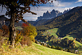 View of St. Magdalena at valley of Villnoess in autumn, Dolomites, South Tyrol, Alto Adige, Italy, Europe