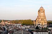 France, Poitou-Charentes, Charente Maritime, Saintes, Saint-Pierre cathedral, general view