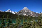 Canada, Alberta, Banff National Park, Howse Peak, Mount Chephren, Waterfowl Lake