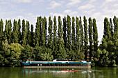 France, Val d'Oise, Vexin, Auvers sur Oise, barge on river Oise
