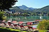 Liegestühl am Seeufer, Fuschl am Fuschlsee, Flachgau, Salzburg, Österreich