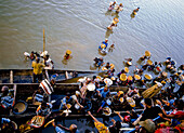 Traders selling to passengers on River Niger, Mali, Africa