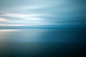 Tasmanisches Meer spiegelglatt durch Langzeitbelichtung, Freycinet Nationalpark, Tasmanien, Australien