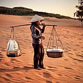 Local Vietnamese sells quick eateries, Red Sanddunes, Mui Ne, Binh Thuan, Vietnam