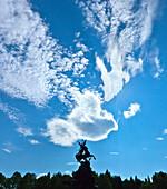 Skulptur im Schlosspark, Schloß Herrenchiemsee, Chiemsee, Chiemgau, Oberbayern, Bayern, Deutschland