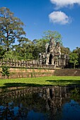 Cambodia-No  2009 Siem Reap City Angkor Temples Angkor Thom Temple South Gate Stone Guardians.