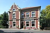 Germany, Xanten, Rhine, Lower Rhine, North Rhine-Westphalia, NRW, D-Xanten-Birten, restaurant ´Zum Amphitheater´, cafe restaurant van Bebber, sidewalk restaurant