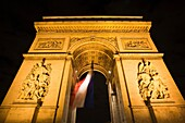 France, Paris, Arc de Triomphe, evening